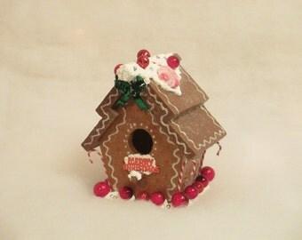 CIJ Sale - Christmas Gingerbread Birdhouse