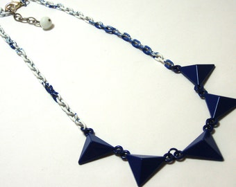 Blue Triangle Spike necklace - Metal navy blue triangles on white and denim swirled chain - Glamour Punk Rocker