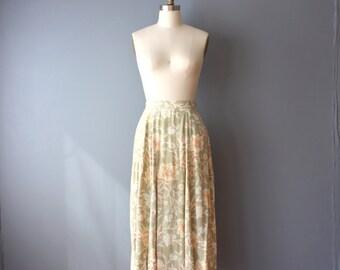 vintage 90s floral skirt / sage green floral rayon skirt / aline midi skirt / medium