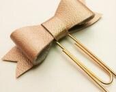 Leatherette bow paper clip