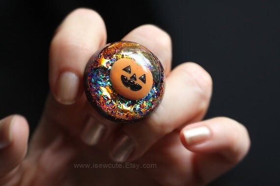 Happy Halloween Jewelry - Trick or Treat Jack O' Lantern - Spooky Halloween Ring - Giant Adjustable Cocktail Party Bauble by isewcute