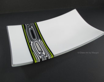 Fused Glass Plate Featuring Unique Black and White Flow Pattern Bar Art Glass Tray