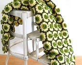 Vintage Dimensional Daisy Afghan • Green and Pale Yellow Loose Weave Afghan • Vintage Floral Crochet Throw