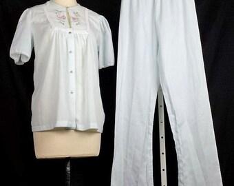 Vintage Pajamas Set Light Blue Floral Embroidered 80s Misses 34 XS