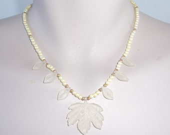 1970s Vintage Frosted Leaf and Faux Pearl Necklace
