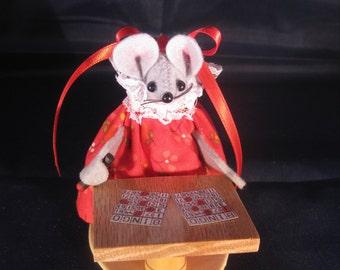 Mouse Playing Bingo