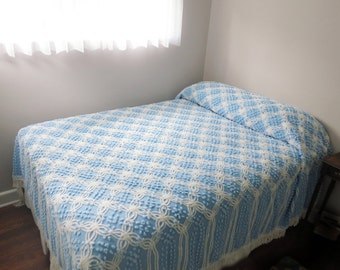 Vintage Chenille Bedspread, White Diamond Pattern Chains with Blue Pops Dots on a Blue Background, Full / Queen Size