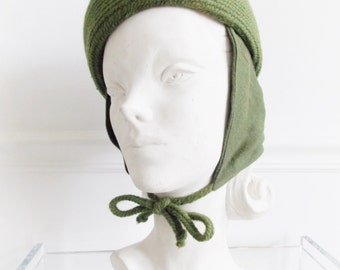 vintage 1940s green wool pillbox hat / film noir hat/ 40s 50s winter hat