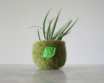 Air Plant Planter - Moss Green Wool Felted Bowl with Bright Green Leaf - Ring Bowl - Catch All - Plant Pot - Gifts for Gardeners