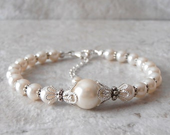Ivory Pearl Bracelet, Off White Bridal Jewelry, Brides Bracelet, Cream Bridesmaid Gift, Sterling Silver Clasp