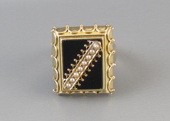 Vintage mid century 14k gold black onyx and seed pearl extremely heavy 11.3 gram mounting / statement ring / gothic / cocktail ring / size 8