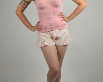Burlesque, Pin Up  50s Corset Just When You Need a Pink  Me Up  Authentic 1950s Vintage Corset Size Medium
