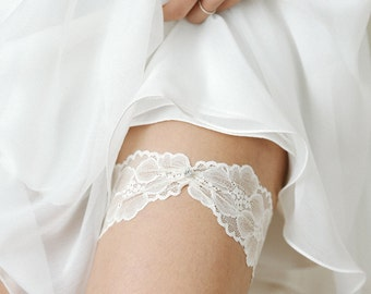 Ivory wedding garter, lace garter set, bridal garter belt, wedding gift - style #521