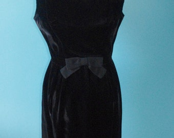 The Audrey Hepburn Dress / Audrey Style / Audrey Hepburn Costume / Audrey Costume / 60s black dress / little black dress / velvet dress