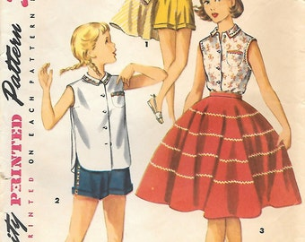 Simplicity 1146 1950s Tweens Circle Skirt Sleeveless Blouse and Shorts Vintage Sewing Pattern Size 14 Bust 32