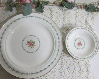 Hall Harmony House Mount Vernon Dinner Plates and Berry Bowls