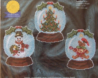 cross stitch kit SNOWGLOBE ORNAMENTS on plastic canvas 3 designs christmas holiday winter Janlynn NIP