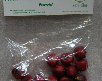 vintage decorative approx 3/4 inch mini fruits apples or tomatoes pkg of 12 unopened