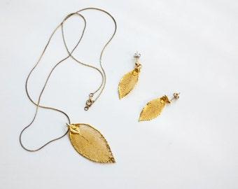 Vintage Goldtone Leaf Necklace and Earring Set