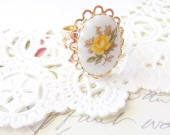 Vintage Yellow Rose Limoges Lace Ring - Gold Ring - Vintage Yellow Rose Cameo - Lace Edge - Adjustable Ring - Shabby Chic