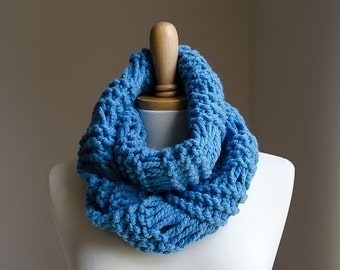 Knit Infinity Scarf, Knit Cowl Scarf, Mens Infinity Scarf, Men Chunky Knit Scarf, Chunky Infinity Scarf, Blue Infinity Scarf, Womens Scarves