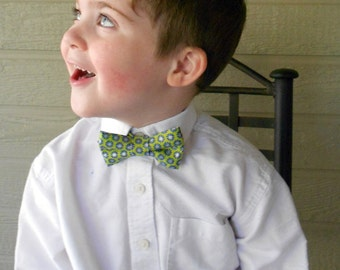 Green Bowtie- Infant, Toddler, Boy 2 weeks before shipping