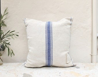Vintage grainsack pillow cover made with an authentic European textile
