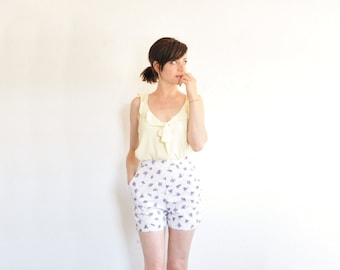 high waist 1960 floral shorts . purple sweet pea summer tap pants .extra small.xs .sale