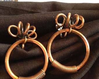 Squiggle Copper Earrings Screwback Dangling Circle
