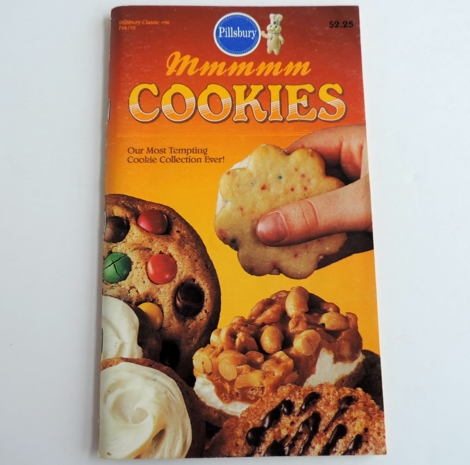 vintage pillsbury cookbook