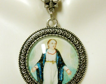 Immaculate conception pendant and chain - AP26-061