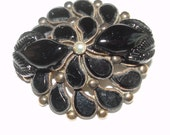 Jet Black Stone Flower  Brooch Vintage Jewelry