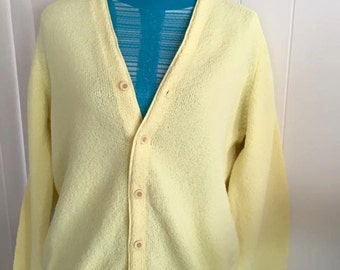 Hep Vintage Men's Yellow Acrylic Cardigan -- Size L