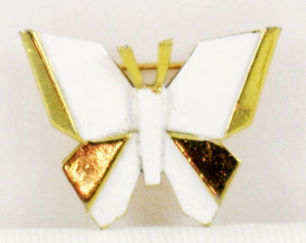 Vintage Crown Trifari White Enamel and Gold Tone Butterfly Brooch Pin (B-4-4)