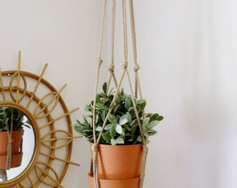 Modern Macrame Plant Hanger // Boho Home // URBAN PAD // Hanging Planter // Boho Chic Home // Simple Boho Decor // Vertical Gardening