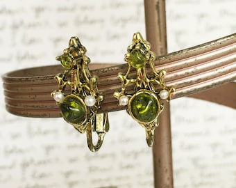 Green Gemstone Earrings, Green Earrings, Green Glass Earrings, Green Clip On Earrings, Vintage Gemstone and Pearl Earrings, Green and Gold