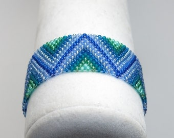 PASSPORT Blue and Green Stripes Seed Bead Bracelet with Earth Button Clasp - Chevron Bracelet - Colorful Zig Zag Pattern - Peyote Stitch