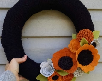 Halloween wreath, Halloween decor, elegant halloween, yarn wreath, wildflower wreath, yarn wrapped, wool felt flower wreath, home decor