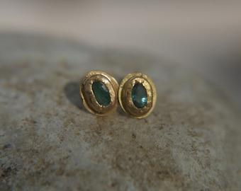 solid 22k gold-emerald Earrings-Gold Studs-stud earrings-22k  earrings- emerald earrings- 22k stud with stone-emerald earrings-green stud