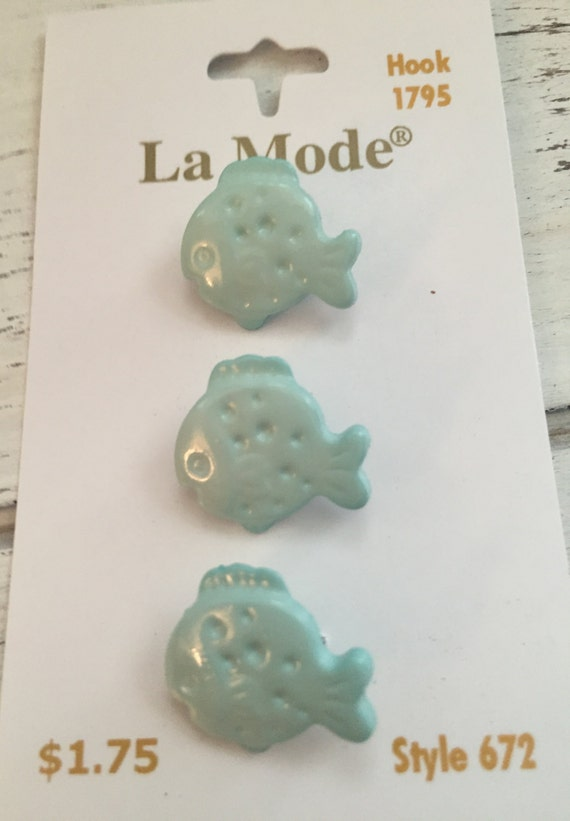 "Blue Fish Buttons by La Mode Carded Set of 3 Shank Back 3/4"" Style 672"