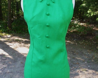 Kelly Green Vintage Sleeveless Dress With Buttons and Lace