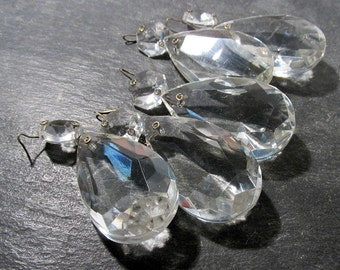 Chandelier Crystals Teardrop VINTAGE Clear Beveled Faceted Glass Five (5) Lead Crystal Prism Pendant Ornament Jewelry Art Supplies (D21)