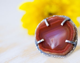 Red Laguna Agate Ring, Sterling Silver Cocktail Ring, Agate Slice Ring - Size 7.5 - Muse and Reverie