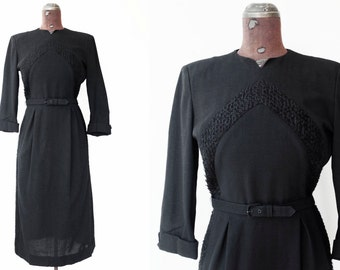 1940s black wool dress / 40s chevron dress