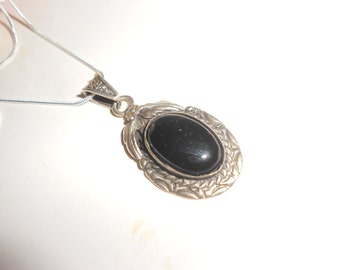Onyx Pendant Necklace Vintage Navajo Squash Blossom Sterling Oval Cabochon Gemstone Earthy Tribal Style