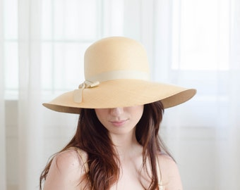 1970s Floppy Hat - Vintage 70s Wide Brim Hat - Amie Straw Hat