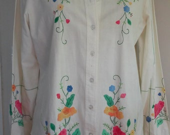 70s SAKS FIFTH AVENUE--Cream Cotton Blouse with Appliquéd Flowers Front and Back