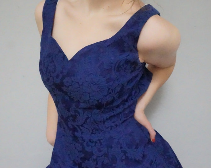sweetheart neckline 90s gunne sax baroque brocade texture print pattern deep purple indigo formal dance prom women extra small XS S vintage