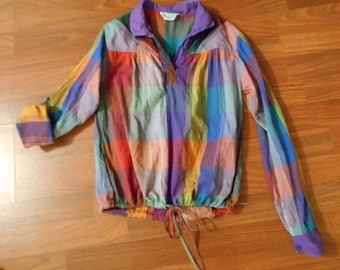 VINTAGE GILRS MADRAS BoHO HiPPiE ToP Size Small roll up sleeves & bottom ties excellent! India Peasant Top