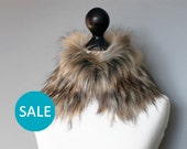SALE Faux fur collar in beige and black. Faux fur neck warmer. Womens faux fur collar. Sale 10% OFF